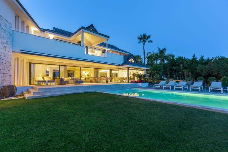 Extraordinary beachside Villa, Marbella