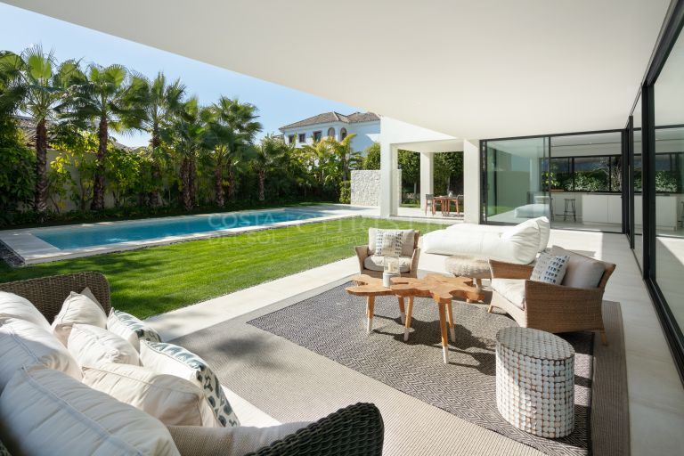 Contemporary House situated in Guadalmina