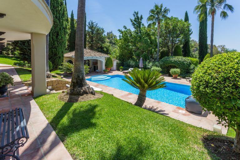 Villa te koop in Puerto del Almendro, Benahavis