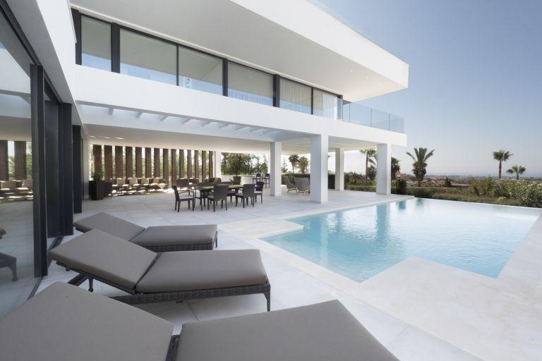 Luxury Villa in La Alqueria Hills