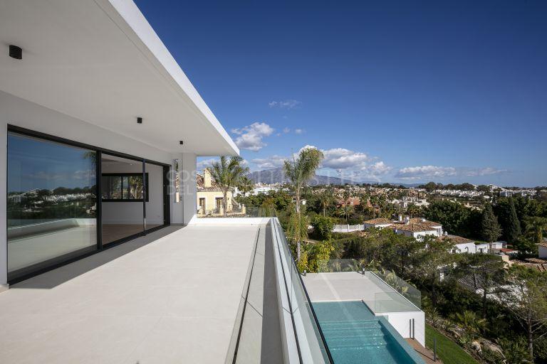 Stunning villa for sale in Paraiso Medio, Estepona
