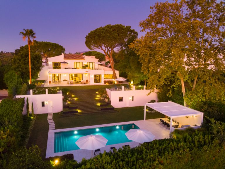 Villa for sale in Aloha, Marbella