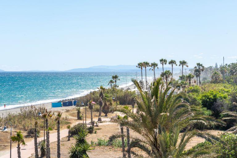 Beachfront Designer Villa