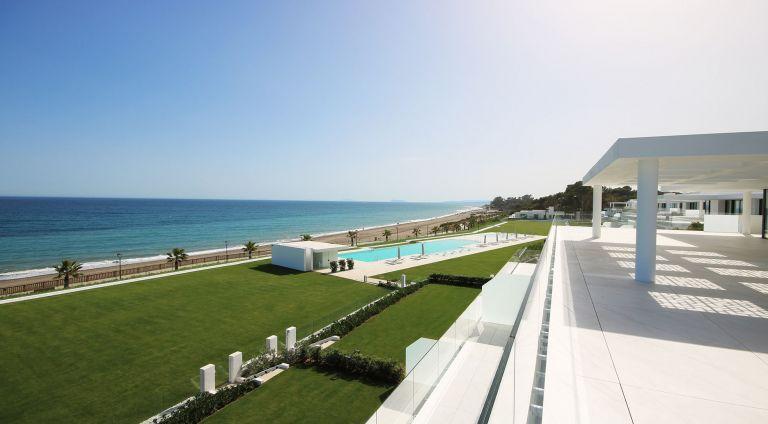 Luxury Apartment beach front