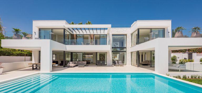 New Luxury Beachside Villa