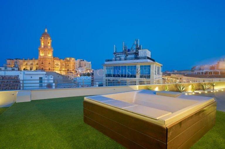 Exclusive Duplex Penthouse in the most desired location in the Historic Center of Malaga