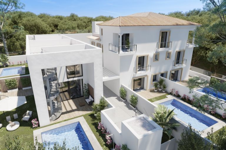 Exclusive Ground Floor Duplex with private garden and pool in El Limonar, Malaga
