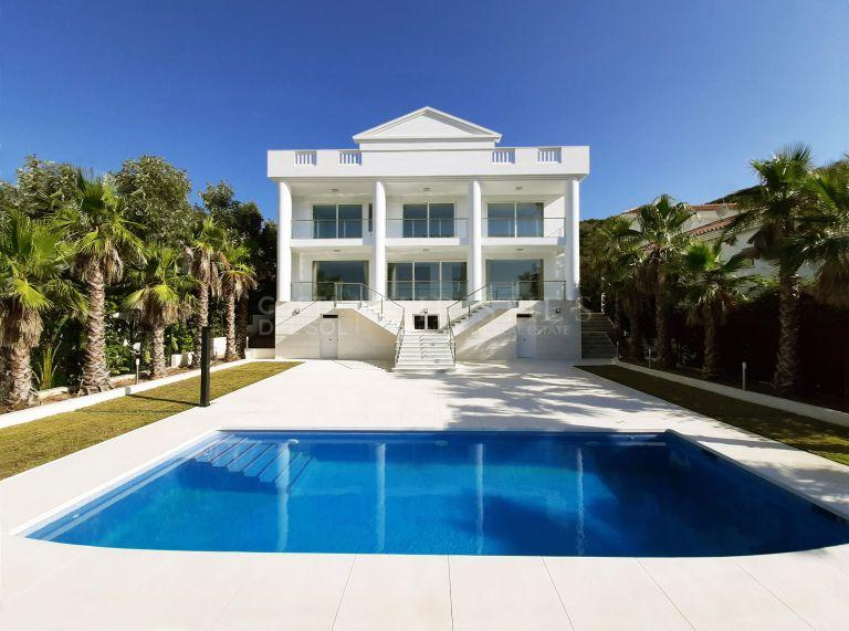 Eerste lijn golf in La Cala de Mijas. Nieuwbouw villa.