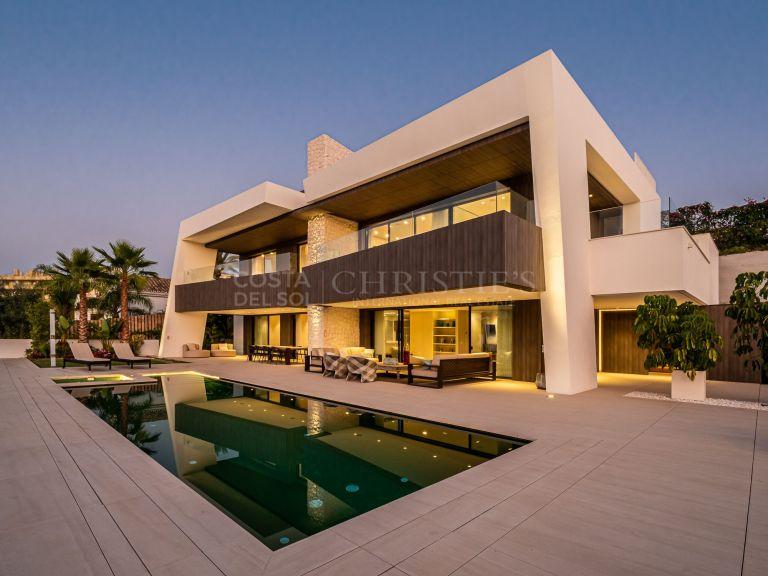 Modern luxury villa in Los Naranjos Golf, Nueva Andalucia