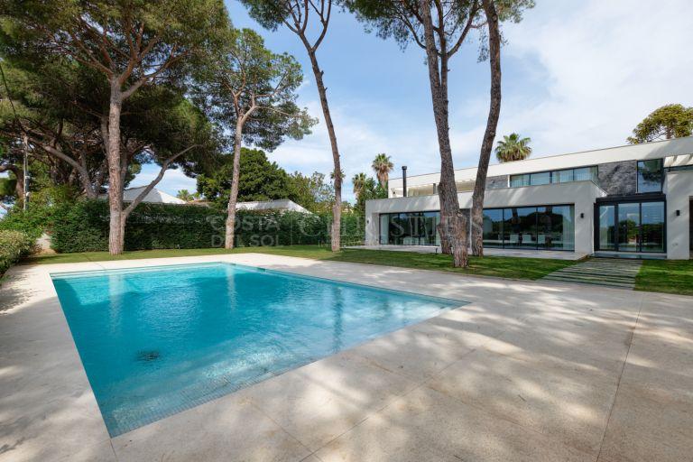 Frontline Beach Villa, Cabopino, Marbella