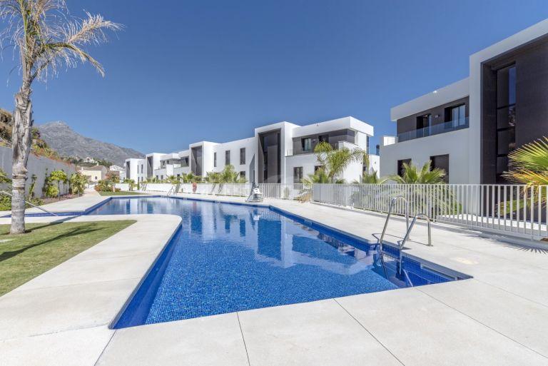 Apartment for short term rent in Azahar de Marbella
