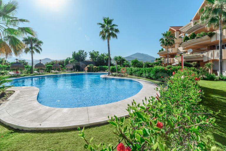 Apartment for short term rent in Magna Marbella