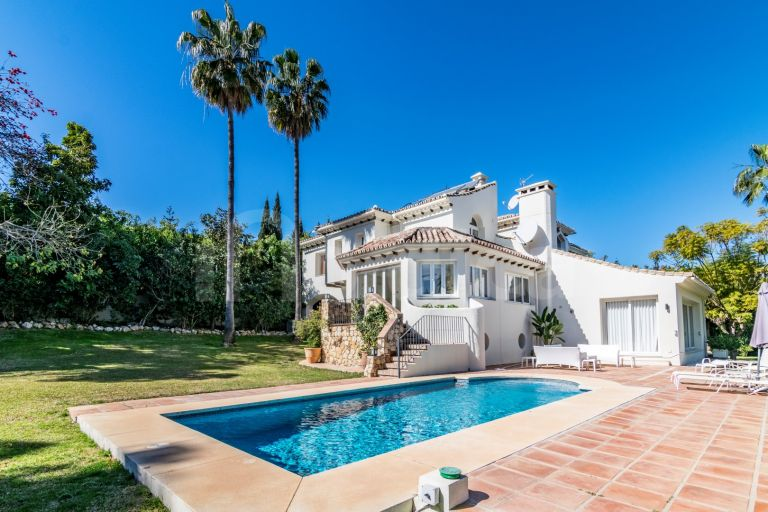 Villa for short term rent in Nueva Andalucia