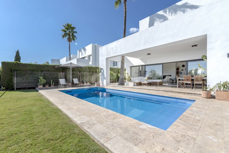 Villa for sale in Atalaya Fairways