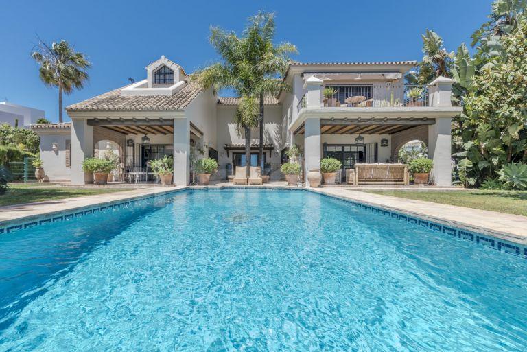 Villa for sale in Los Naranjos