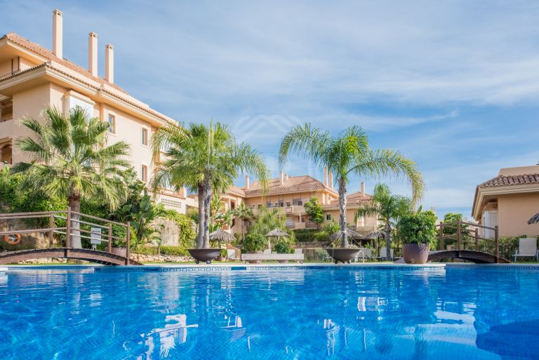 Charming apartment in Aloha Hill Club, Nueva Andalucia