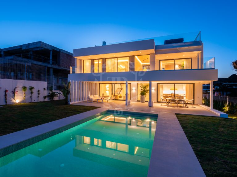 Stellar brand new villa in New Golden Mile, Estepona
