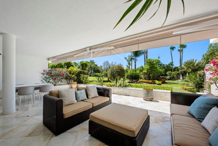 Precioso apartamento en planta baja situado en primera línea de golf - Los Granados Golf, Nueva Andalucia