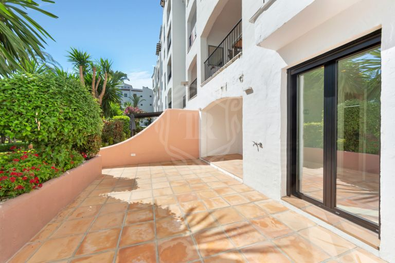 Fantastic ground floor apartment in Puerto Banus