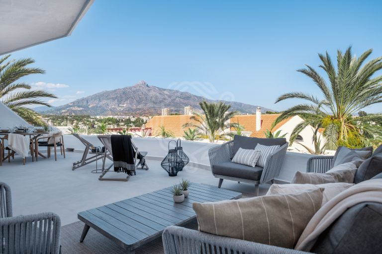 Fabulous apartment with mountain views in Nueva Andalucia