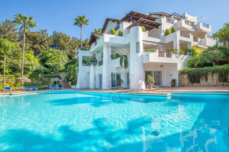 Spectacular beachfront corner ground floor apartment in Estepona