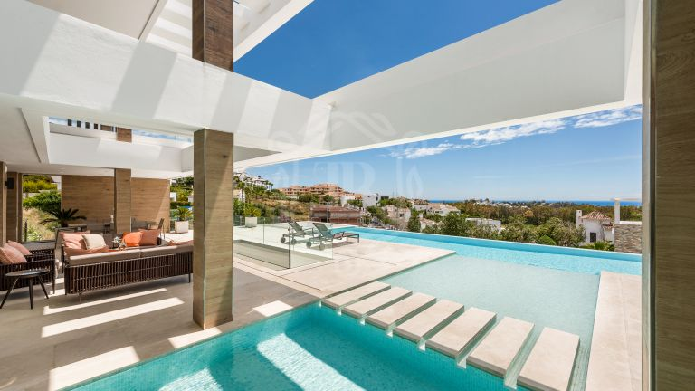 Villa moderna con vistas panorámicas en La Alquería, Benahavis