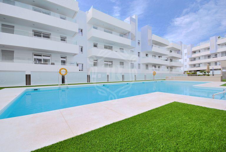 Apartamento contemporáneo en planta baja en San Pedro Playa