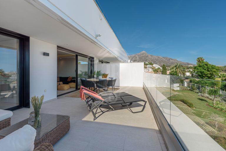 Apartamento moderno con fantásticas vistas en Nueva Andalucía