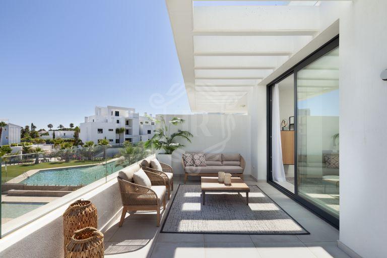 Contemporary penthouse in Cortijo del Golf, Estepona's New Golden Mile