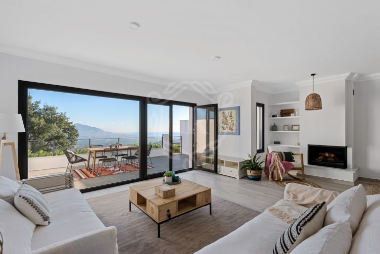 Wonderful fully renovated townhouse in Albor Homes, Marbella East