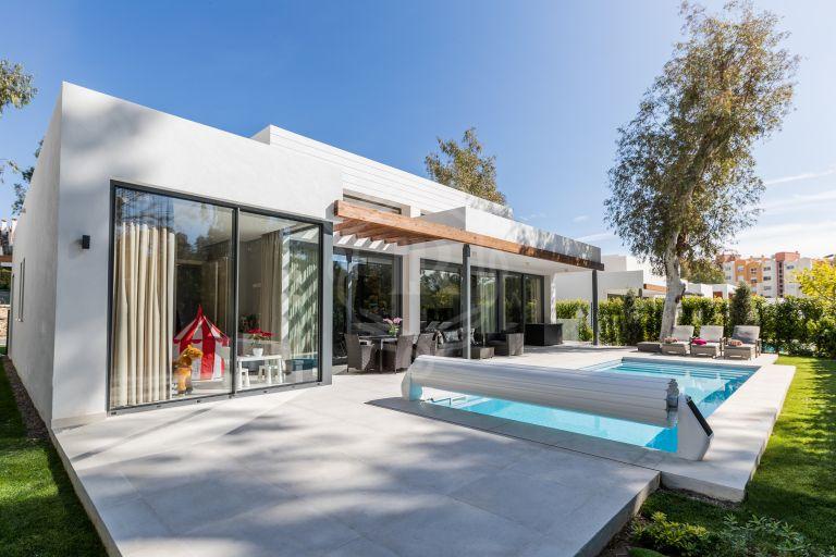 Villa contemporánea en Nueva Milla de Oro