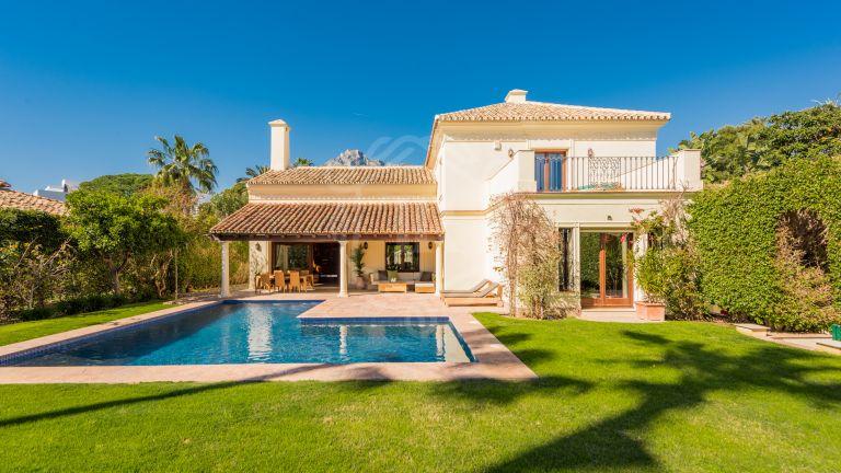 Encantadora villa de 4 dormitorios en Nagüeles, Marbella