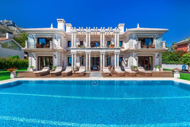 Majestic villa in Sierra Blanca with stunning views
