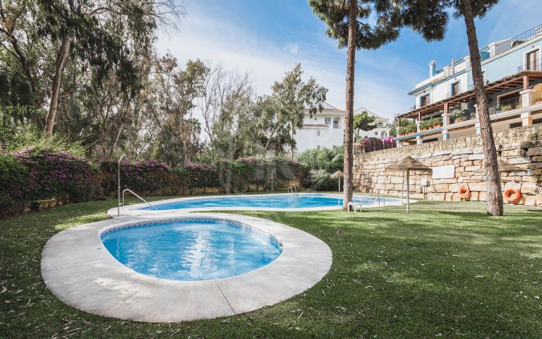 Fully renovated townhouse in Solana de Nagüeles, Marbella Golden Mile