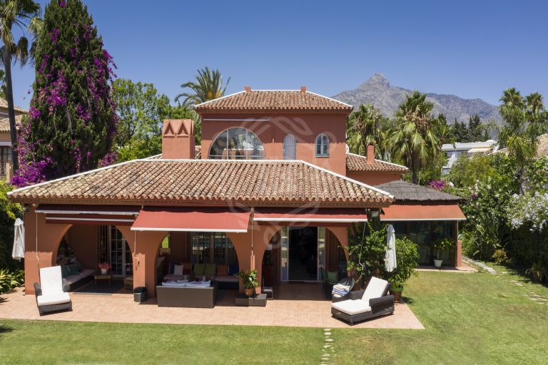 Traditional 5 beds villa-Aloha Golf, Nueva Andalucia