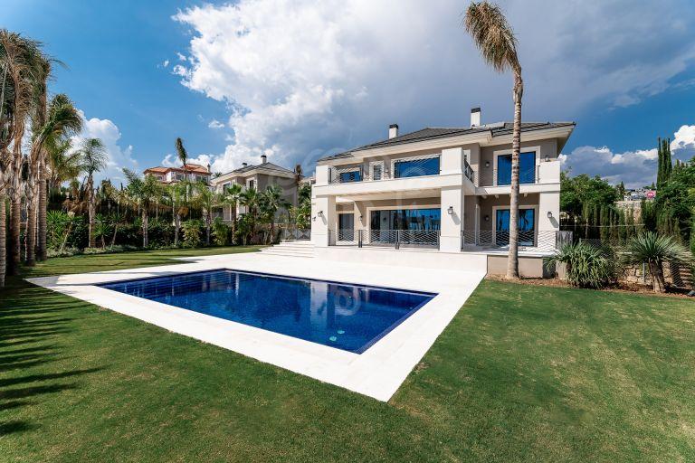 Moderna villa con fantásticas vistas al mar en Los Flamingos
