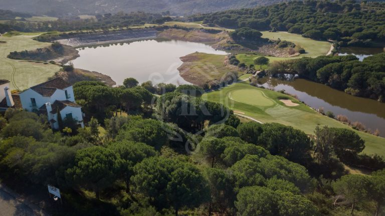 Front line golf building plot for a villa project in Sotogrande, San Roque