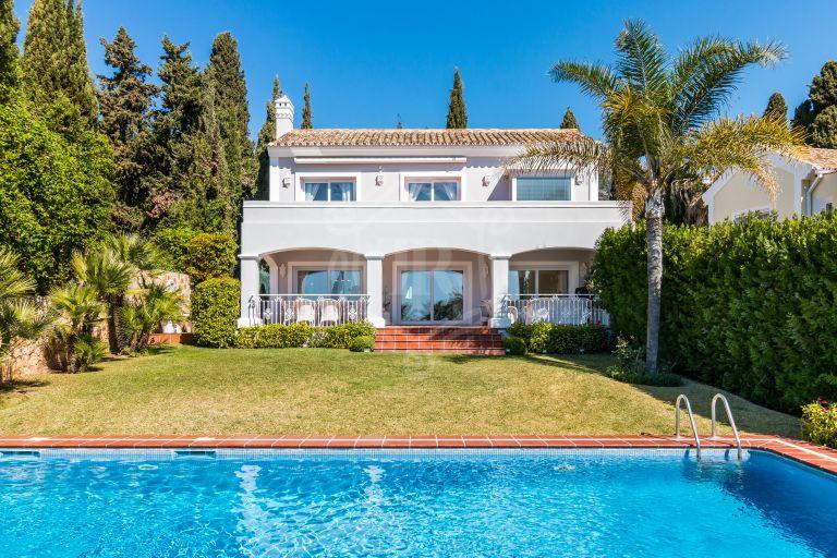 Beautiful Classic Villa with Sea Views in Balcones de Sierra Blanca, Marbella Golden Mile