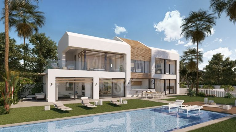 Villa a estrenar en primera línea de playa en New Golden Mile, Estepona