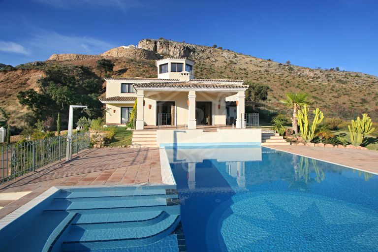 Panoramic views villa in Marbella Club Golf Resort, Benahavís