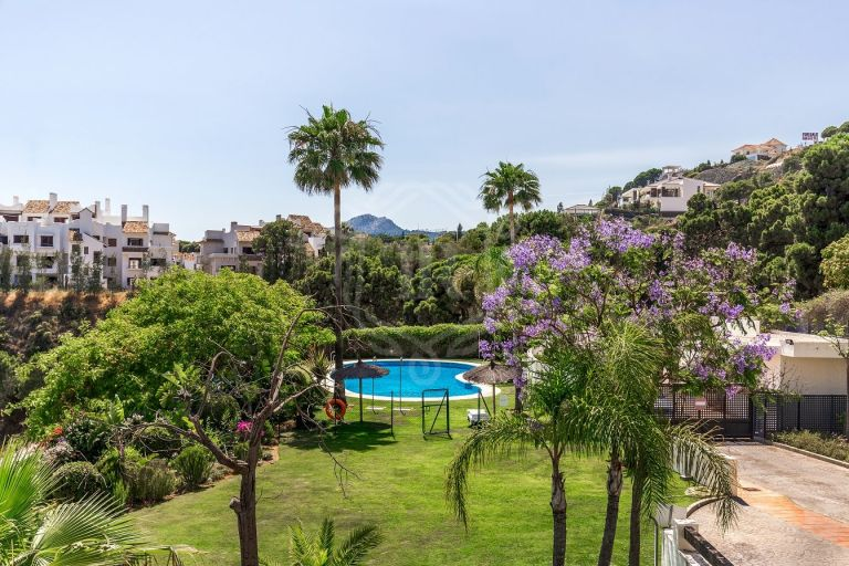 Modern exclusive apartment in La Azalia, Benahavis