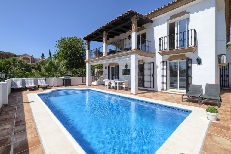 WONDERFUL SOUTH FACING VILLA IN EL ROSARIO