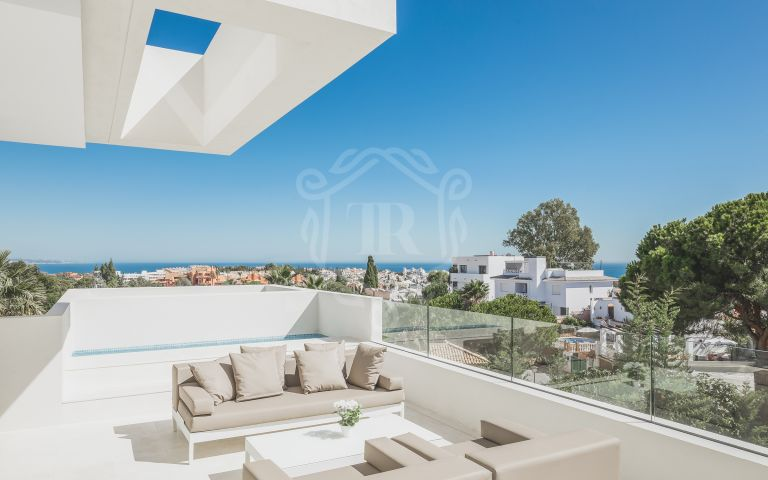 Contemporary brand new villa with sea and mountain views in Banus Hills -Nueva Andalucía