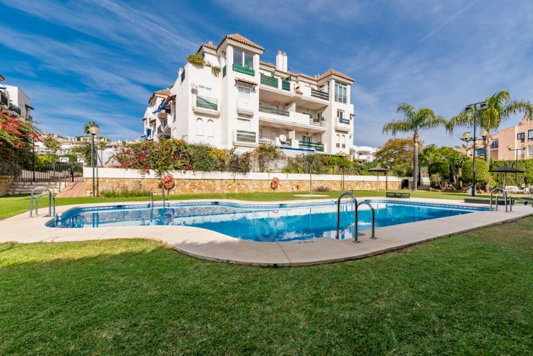 Fully Reformed Apartment in Locrimar, Puerto Banus