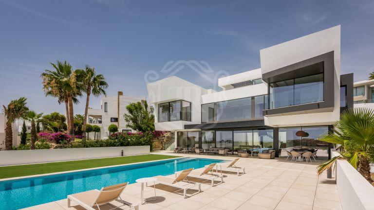 Villa de lujo de estilo contemporáneo en Condes de Luque / Capanes Sur, La Alqueria, Benahavis