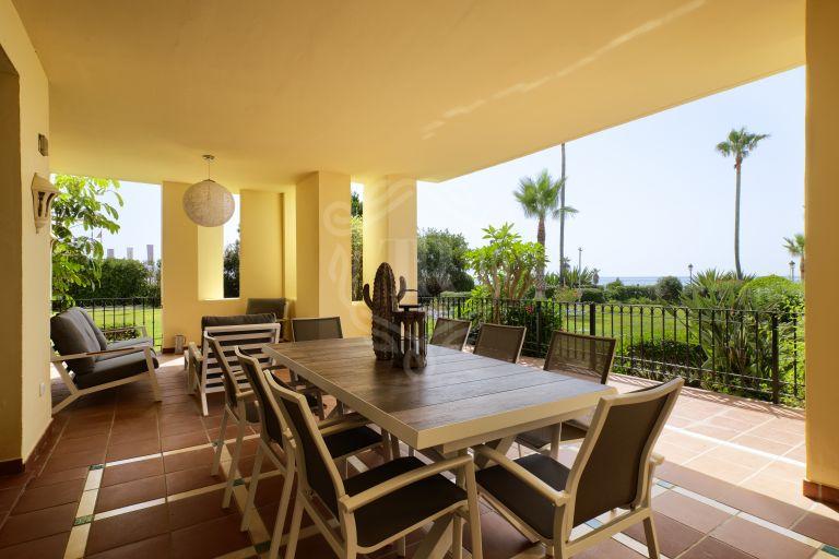 Excelente apartamento en planta baja reformado en primera línea de playa
