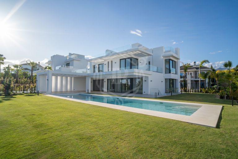 Espectacular villa a estrenar en Los Flamingos