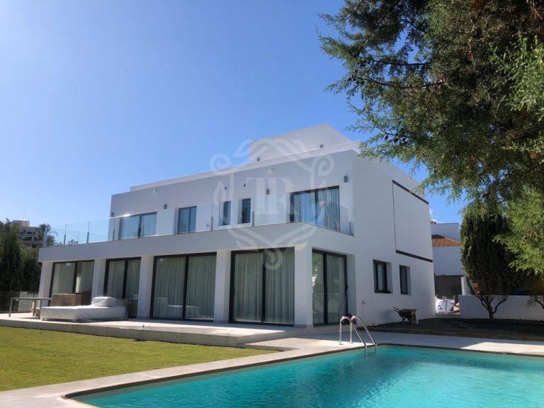 Luxurious villa in Nueva Andalucia