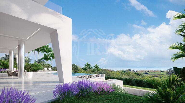 Villa de diseño moderno con vistas al mar en Puerto de La Duquesa en Manilva