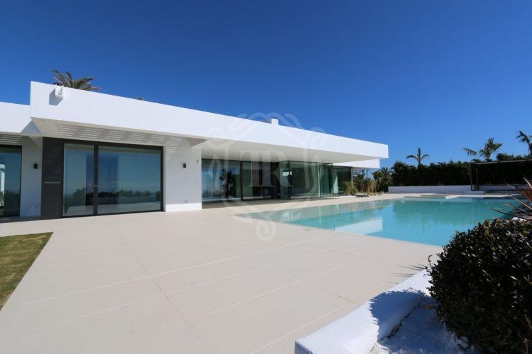 Lujosa villa moderna con vistas al mar
